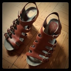 Earthies Larissa Sandal, size 8B (M)